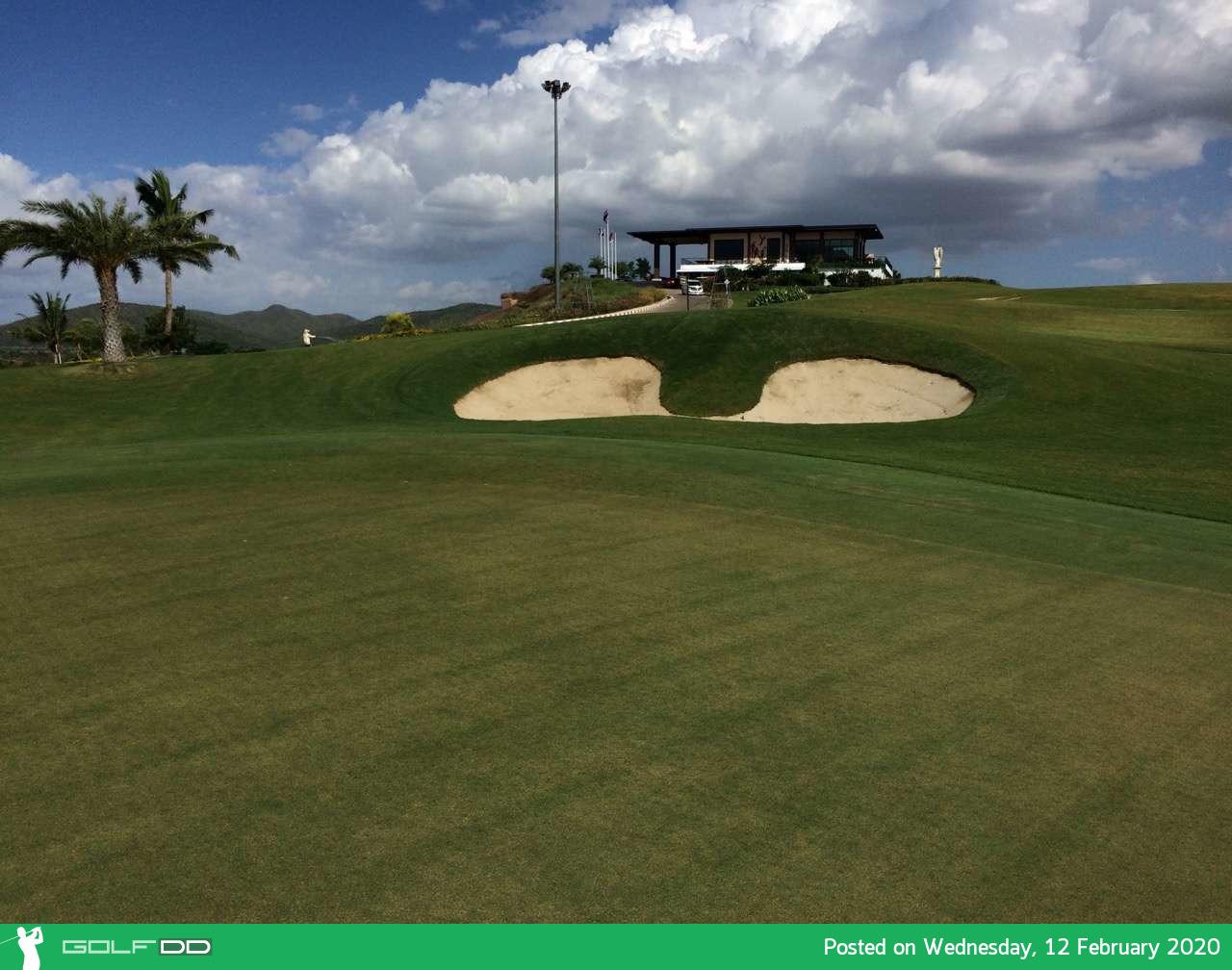 Grand Prix Golf Club ตีกอล์ฟเมืองกาญฯ เบิกบานสำราญใจ