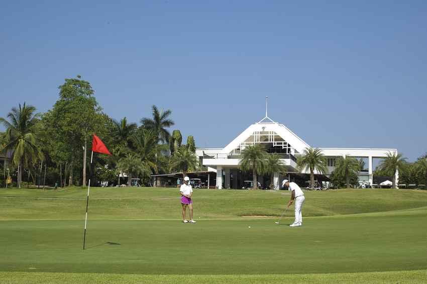 วันหยุด เที่ยวสนุกทั้งครอบครัวที่ The Majestic Creek Country Club หัวหิน พร้อม Booking Teetime กับ golfdd จ่ายเงินที่สนามได้เลย