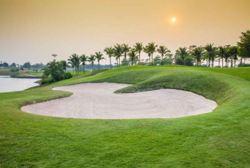 โปรร้อนๆ ลุกเป็นไฟยาว 8 เมตร พิเศษลด 75% แถมไม่ต้องเดินทางไกล ที่ Pattana Golf Club and Resort ชลบุรี