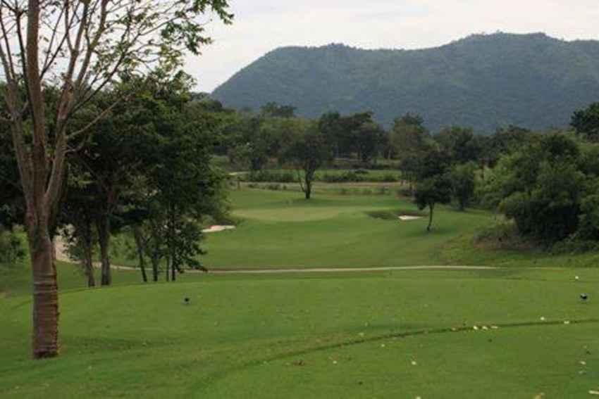 ออกรอบ โปรดี ลด 50% ที่ Kaeng Krachan Country Club and Resort เพชรบุรี พร้อมจองผ่าน golfdd จ่ายเงินที่สนามได้เลย