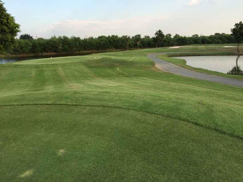 Northern Rangsit Golf Club ตีกลอ์ฟสบายๆ พบธรรมชาติที่สดชื่นและบรรยากาศที่ร่มรื่น