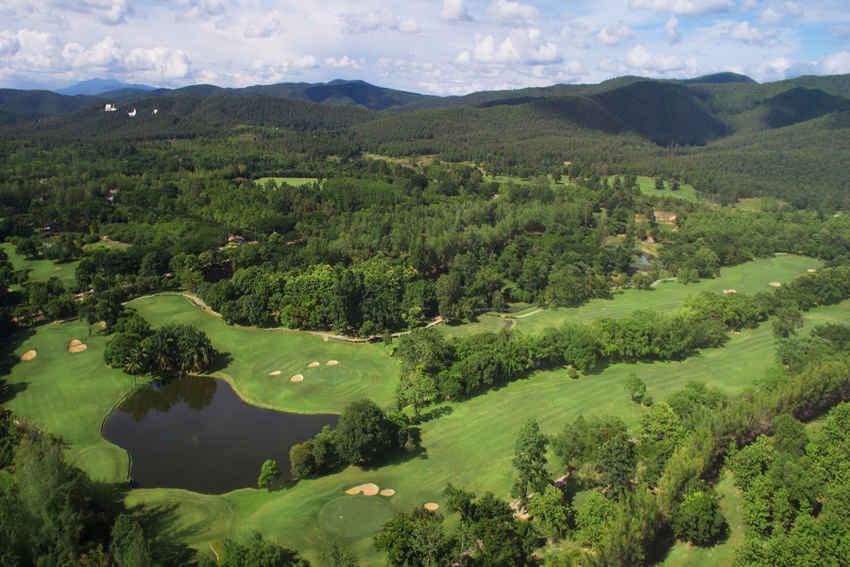 แอ่วเมืองเหนือ ตี๋กอล์ฟม่วนขนาด ที่ The Royal Chiangmai Golf Resort