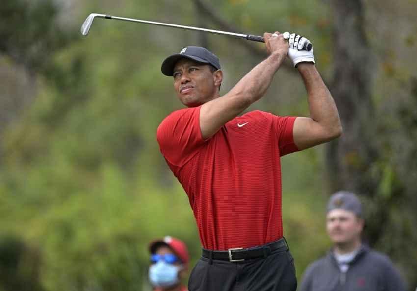 Tiger Woods ตำนานกอล์ฟเกิดอุบัติเหตุ รถคว่ำ บนทางด่วน ใน Los Angeles, California